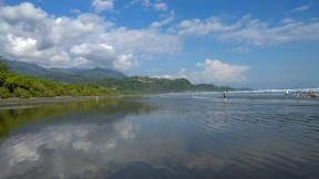 herrlicher riesiger Strand im Nationalpark, bei Ebbe